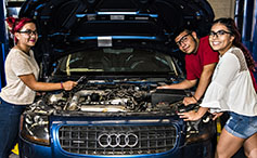Photo of Auto Technologies Students